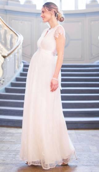 fashionable plus size maternity wedding dress