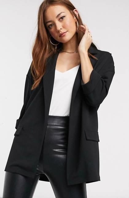 black blazer to hide the tummy